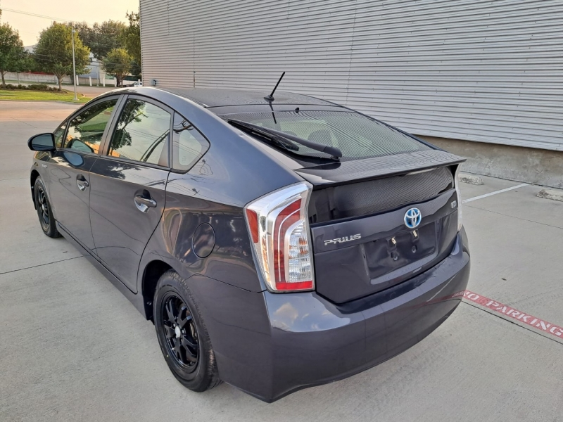 Toyota Prius 2015 price $12,999 Cash