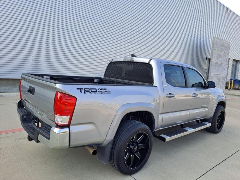 Toyota Tacoma 2017 price $28,999 Cash