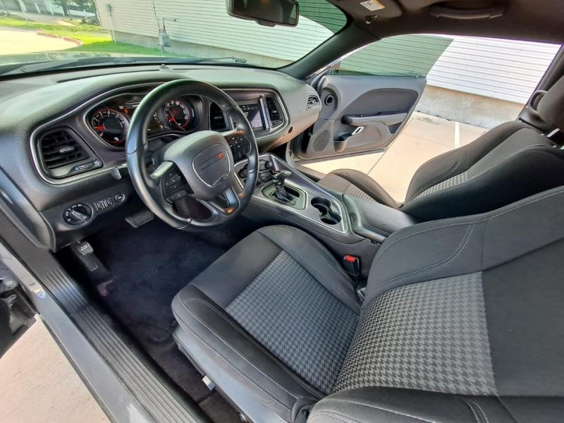 Dodge Challenger 2018 price $19,999 Cash