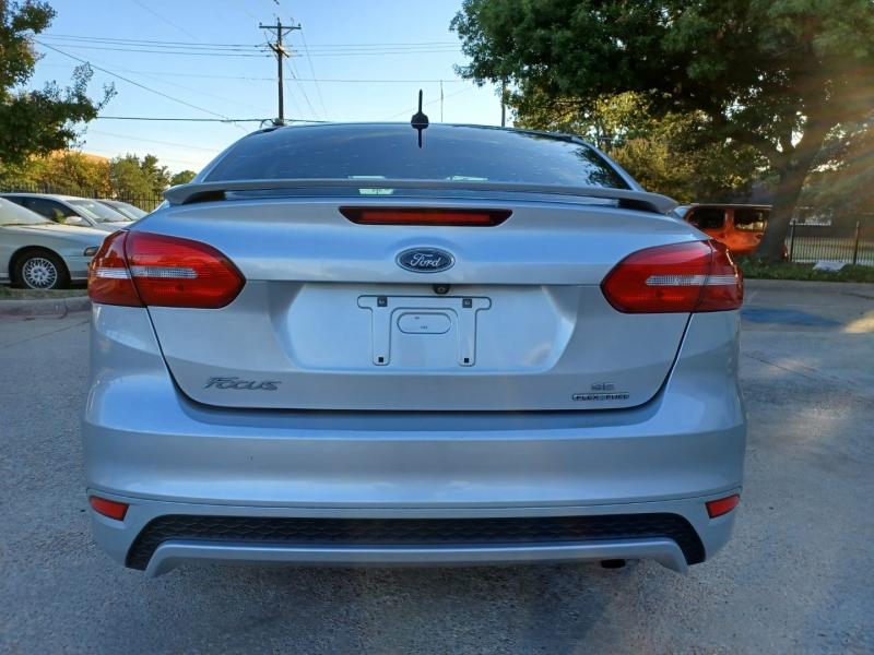 Ford Focus 2015 price $9,499 Cash