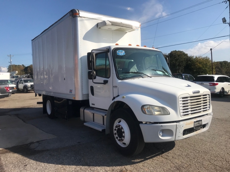 FREIGHTLINER M2 BUSINESS 2005 price $13,999