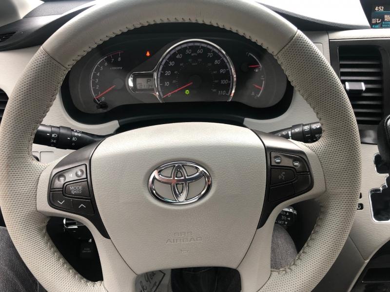 Toyota Sienna 2012 price $17,950