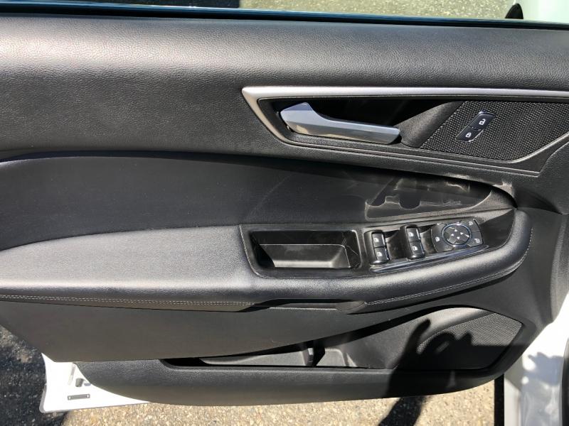 Ford Edge 2015 price $15,950