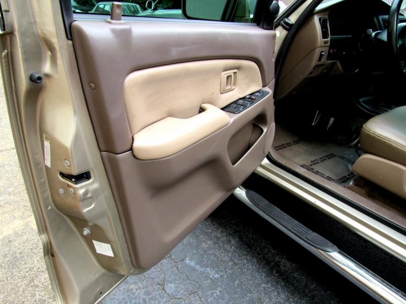 Toyota 4Runner 2001 price $13,222