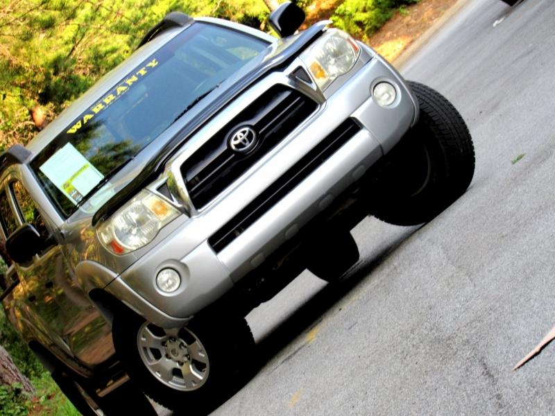 Toyota Tacoma 2006 price $15,966