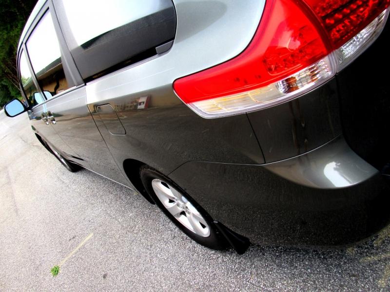 Toyota Sienna 2013 price $18,995