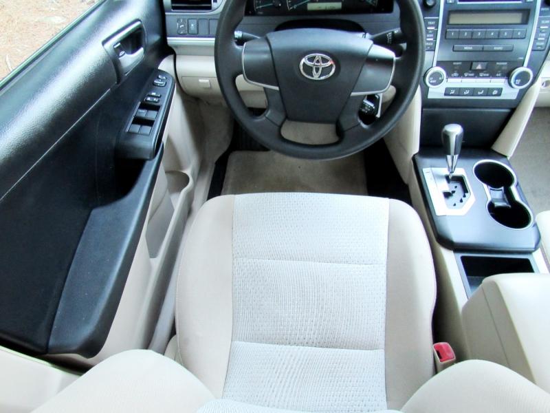 Toyota Camry 2012 price $12,433