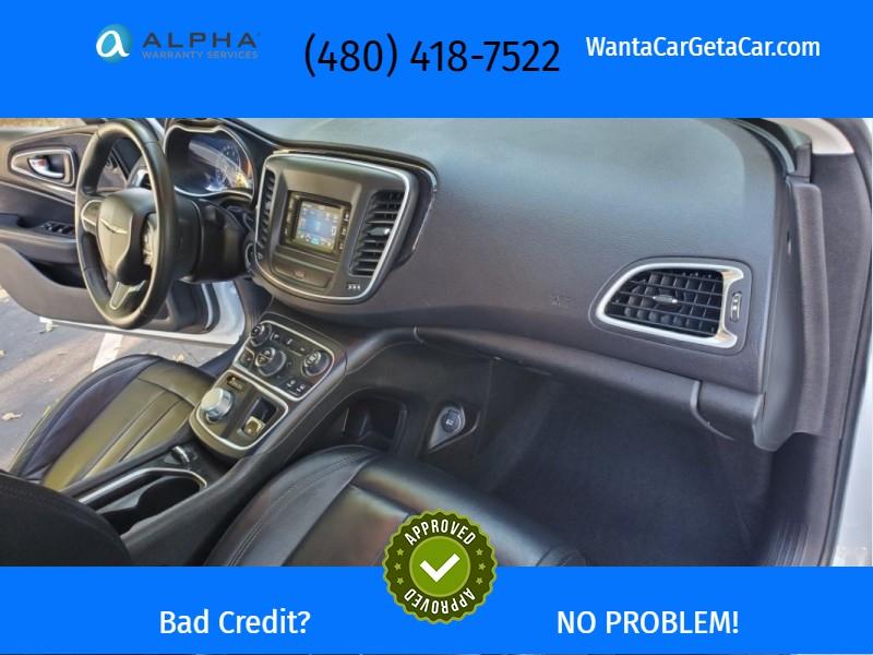 Chrysler 200 2015 price $11,195