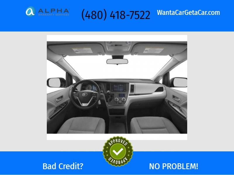 Toyota Sienna 2020 price $30,500