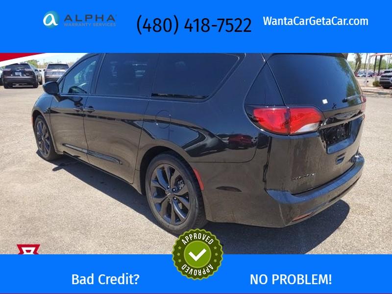 Chrysler Pacifica 2018 price $38,075
