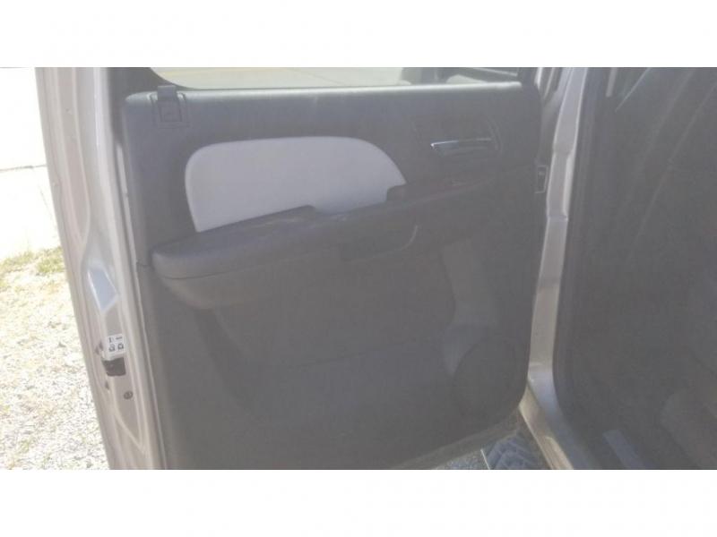 Chevrolet Suburban 2008 price $8,500