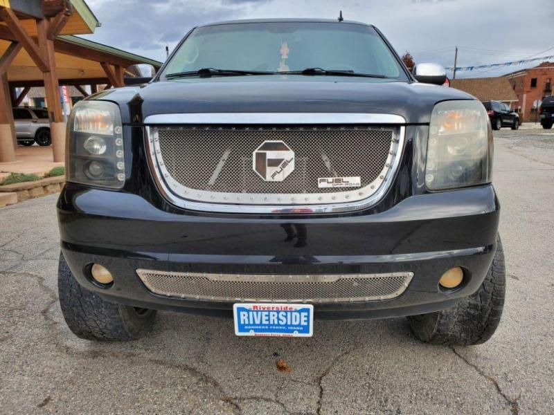 GMC Yukon XL 2011 price $15,980