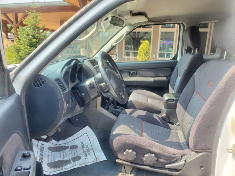 Nissan Frontier 2004 price $9,980