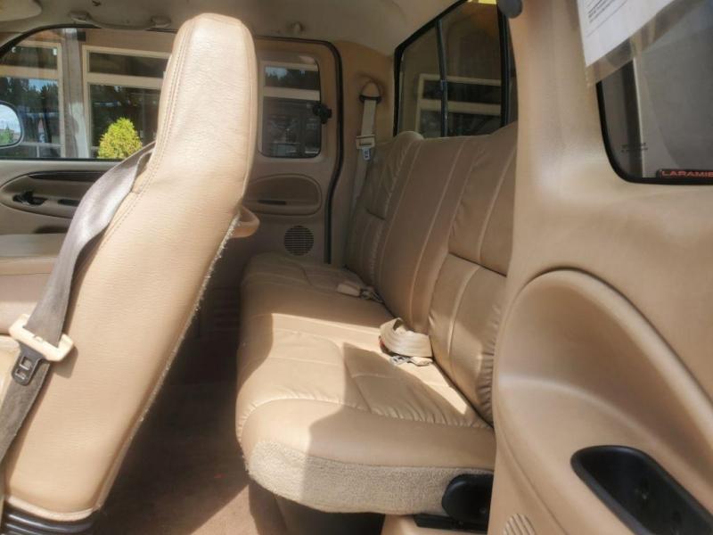 Dodge Ram Pickup 2001 price $12,980