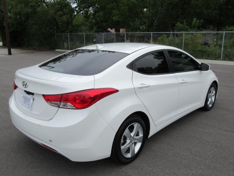 Hyundai Elantra 2013 price $9,495