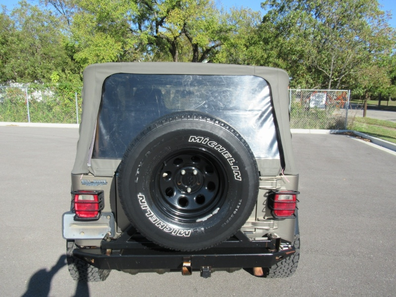 Jeep Wrangler 2003 price $10,995