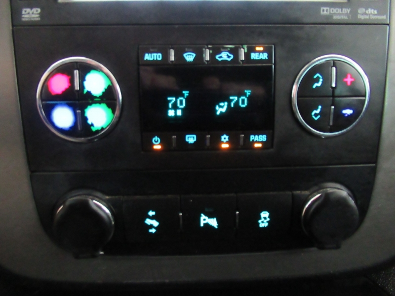 Chevrolet Suburban 2013 price $18,995