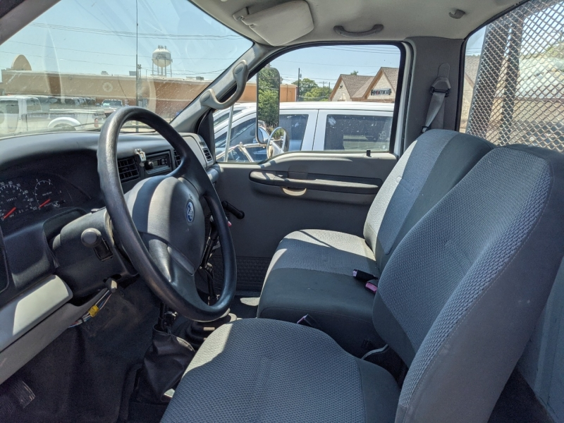 Ford F-650 2004 price $19,995
