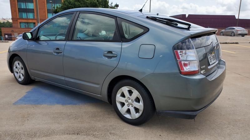 Toyota Prius 2004 price $6,450 Cash