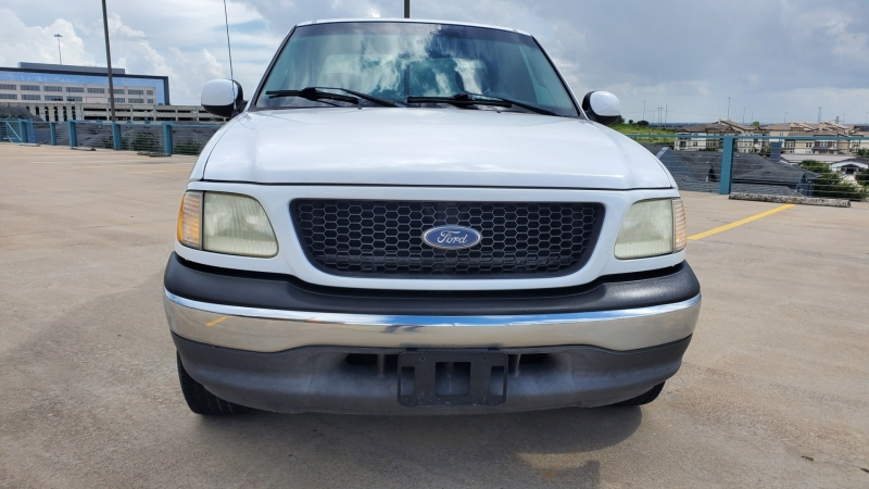 Ford F-150 2002 price $6,992 Cash
