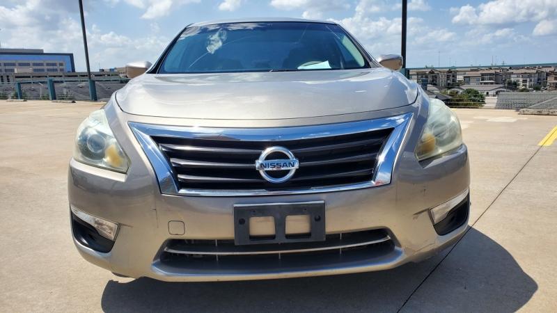 Nissan Altima 2014 price $8,950 Cash