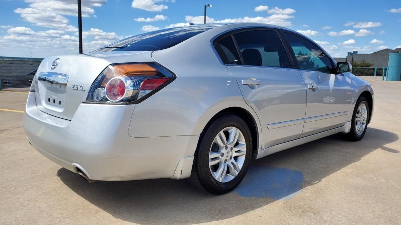 Nissan Altima 2011 price $7,450 Cash