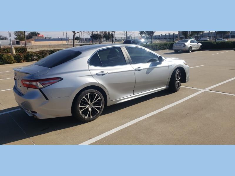 Toyota Camry 2018 price $14,995