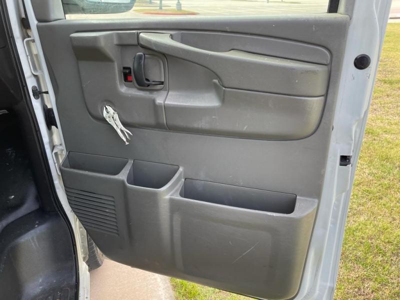 Chevrolet Express Cargo Van 2011 price $10,500
