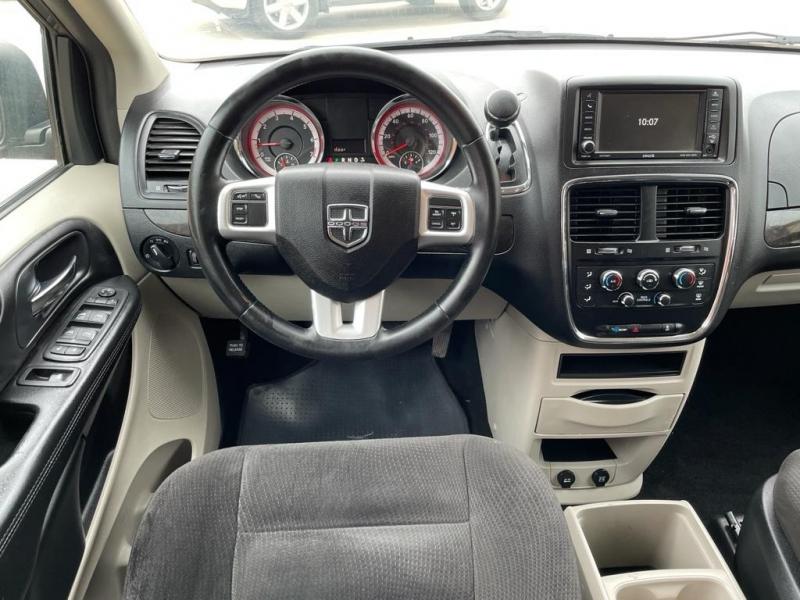 Dodge Grand Caravan 2016 price $11,500
