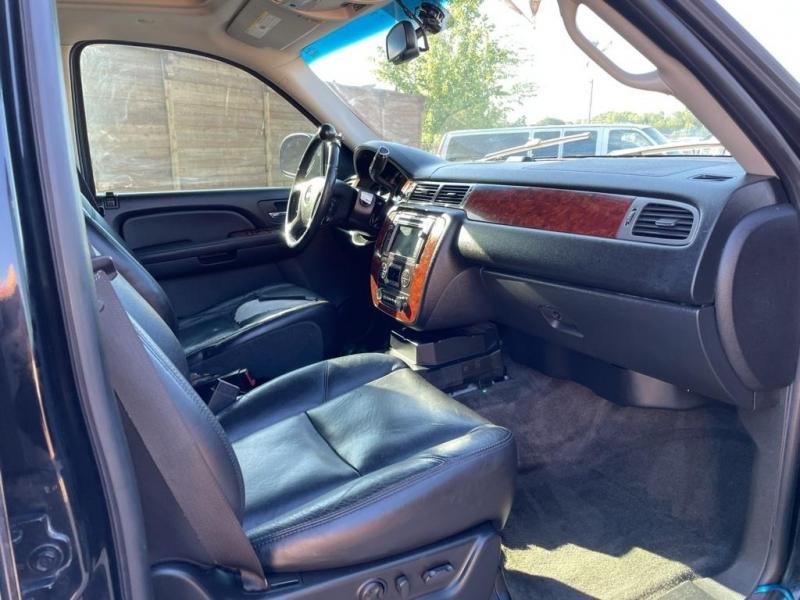 Chevrolet Suburban 2009 price $13,950