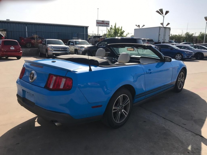 Ford Mustang 2010 price $10,500