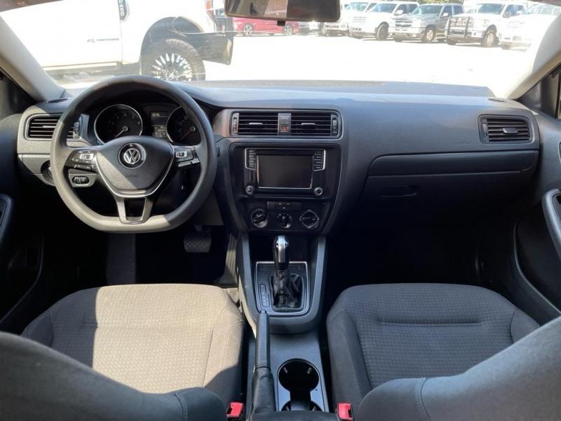 Volkswagen Jetta 2016 price $11,500