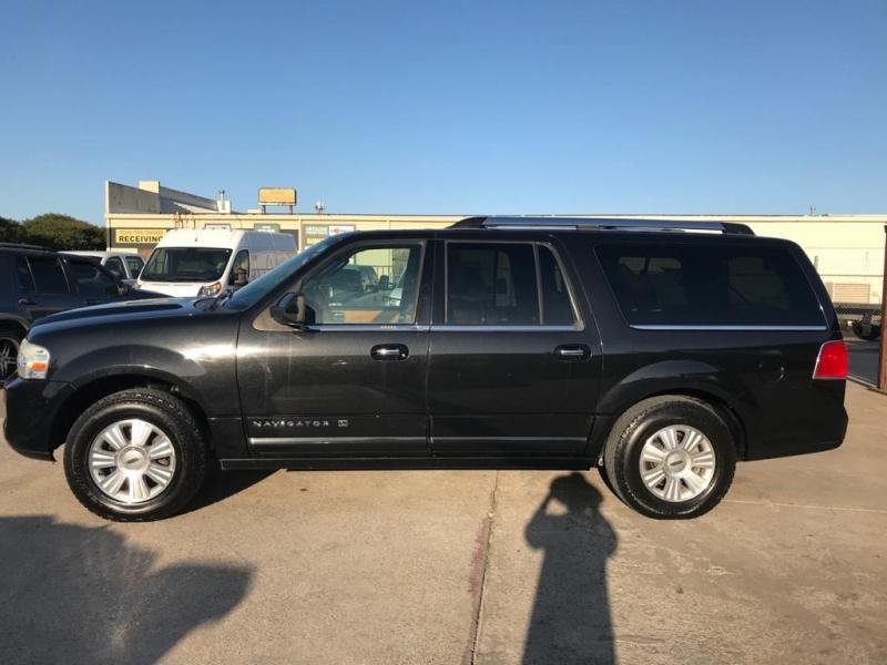 Lincoln Navigator L 2011 price $12,500