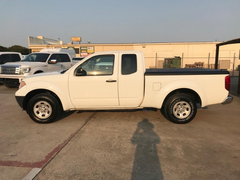 Nissan Frontier 2015 price $14,950