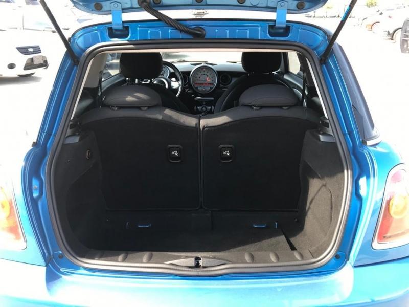 Mini Cooper Hardtop 2009 price $4,500