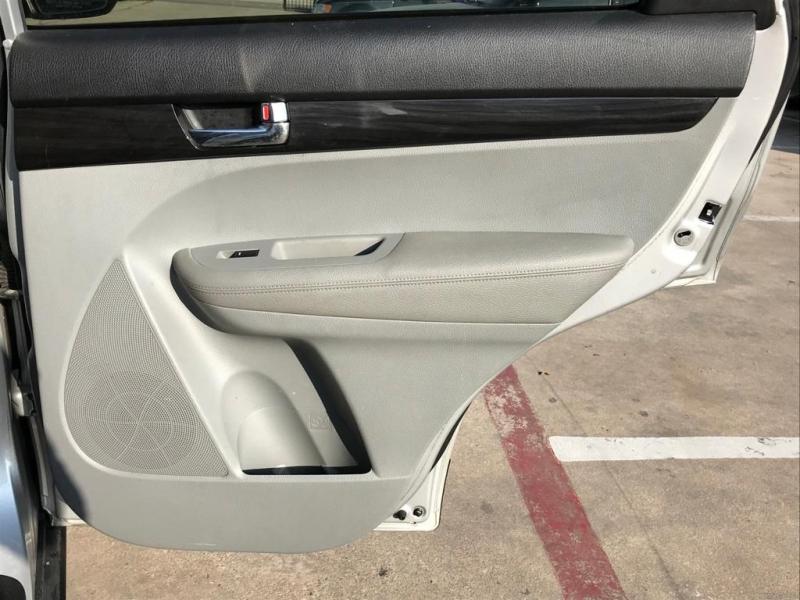 Kia Sorento 2012 price $8,500