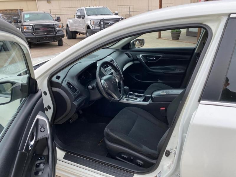 Nissan Altima 2015 price $8,500