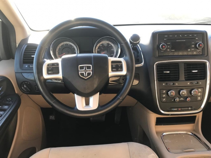 Dodge Grand Caravan 2014 price $9,000