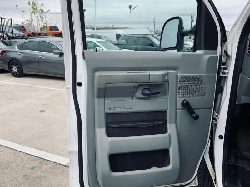 Ford Econoline Cargo Van 2011 price $6,500