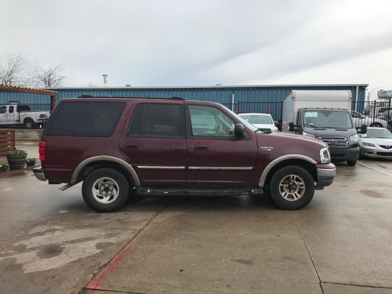 Ford Expedition 2000 price TBA