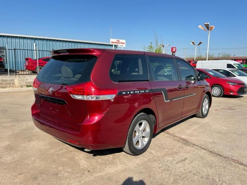 Toyota Sienna 2012 price $8,000