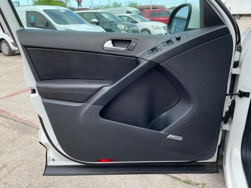 Volkswagen Tiguan 2010 price $7,000