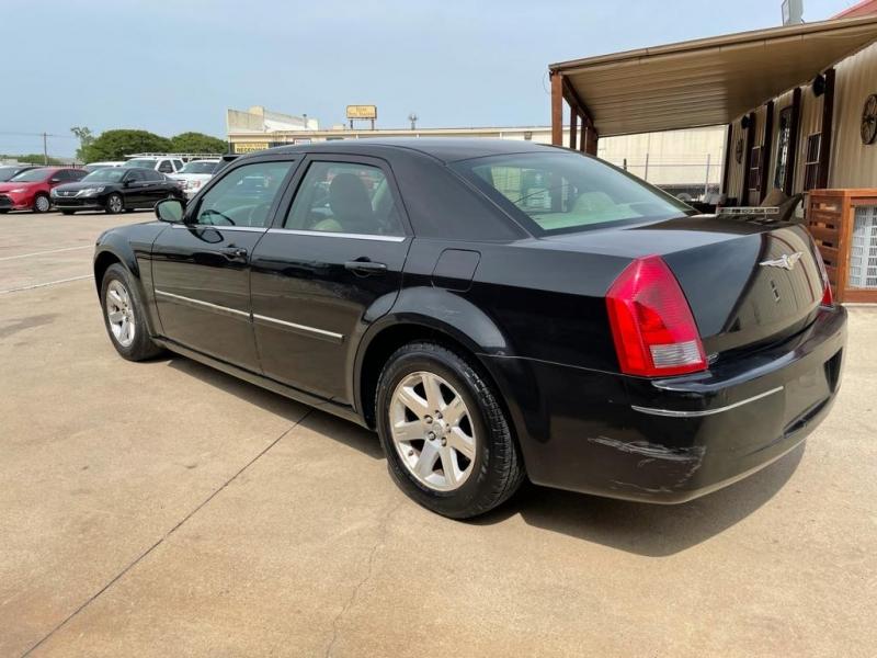 Chrysler 300 2007 price $4,500