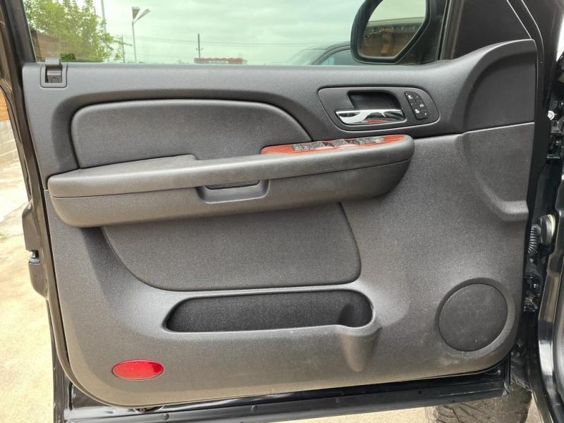 Chevrolet Tahoe 2009 price $17,500