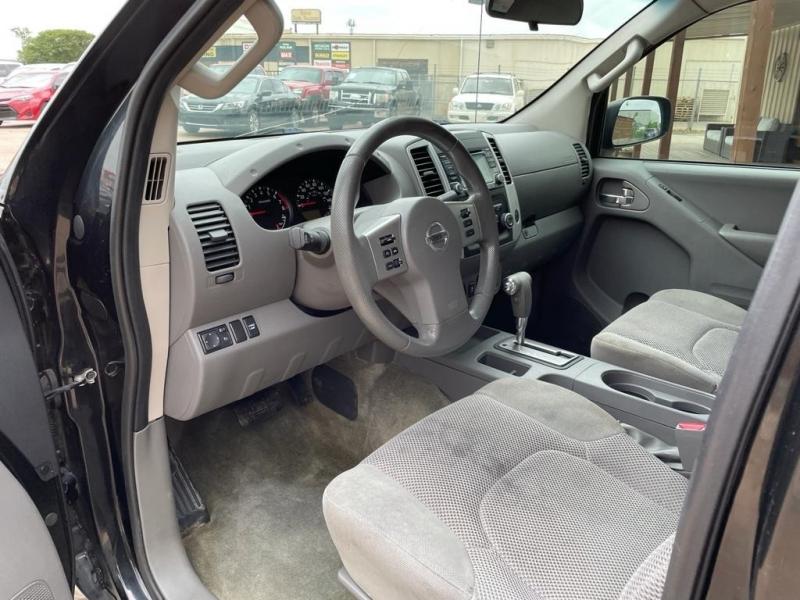 Nissan Frontier 2017 price $19,500