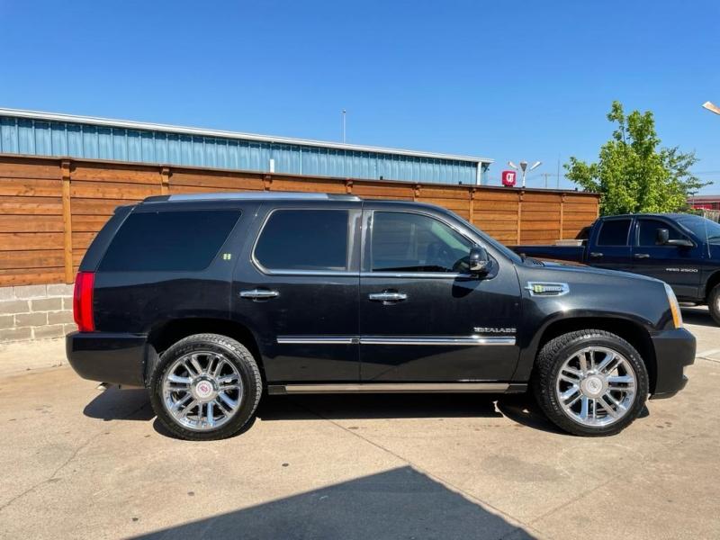 Cadillac Escalade Hybrid 2011 price $16,500