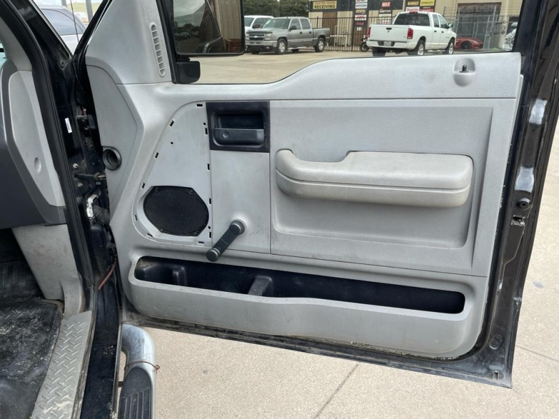 Ford F-150 2004 price $4,500