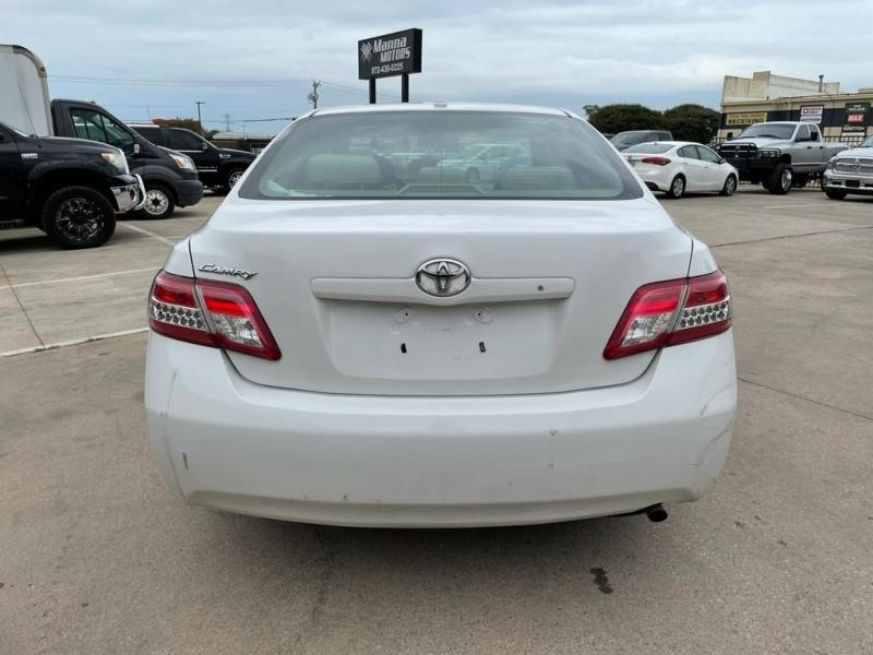 Toyota Camry 2011 price $9,000