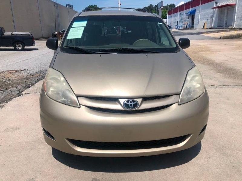 Toyota Sienna 2009 price $6,790