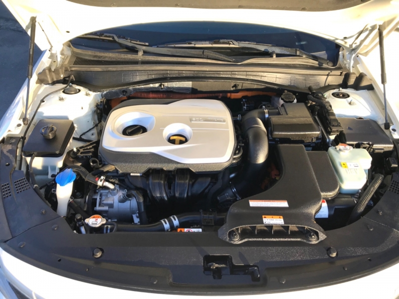 Kia Optima Hybrid 2017 price $11,995